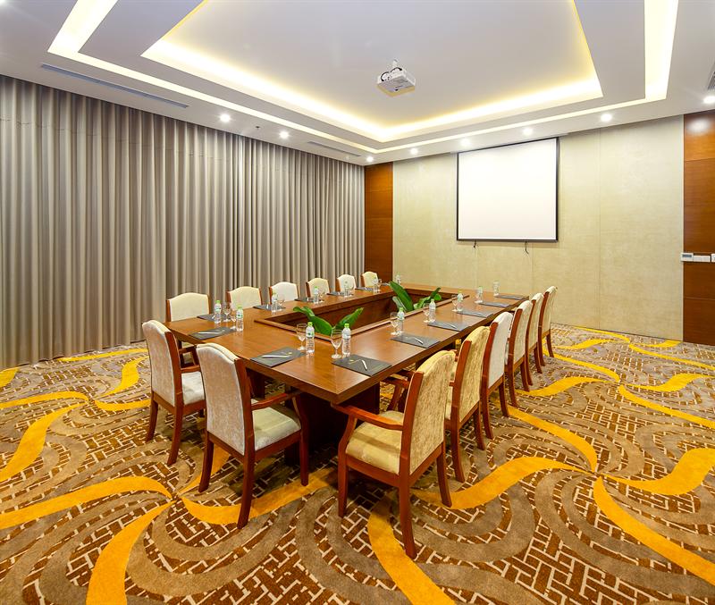 Lavanda Meeting Room